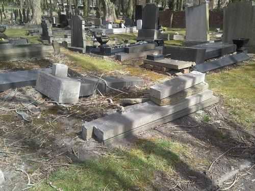 prescot_cemetery_grave_1