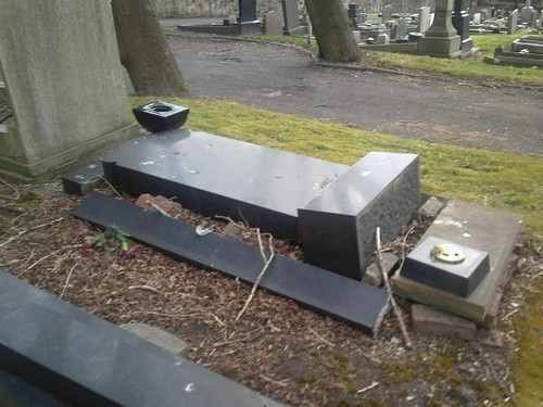 prescot_cemetery_grave_2