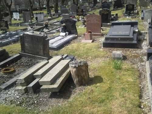 prescot_cemetery_grave_3