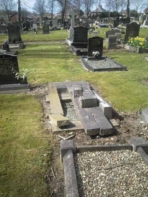 prescot_cemetery_grave_6