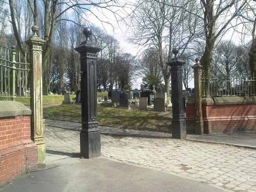 prescot_cemetery_no_gates