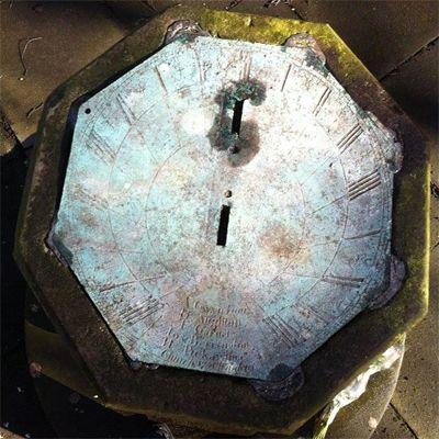 sundial-st-marys-churchyard-remembrance-garden